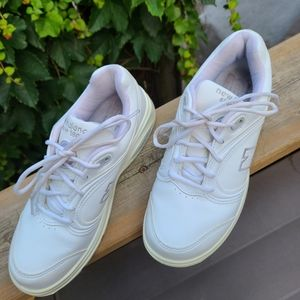 New Balance Leather sneaker, White, 7.5W